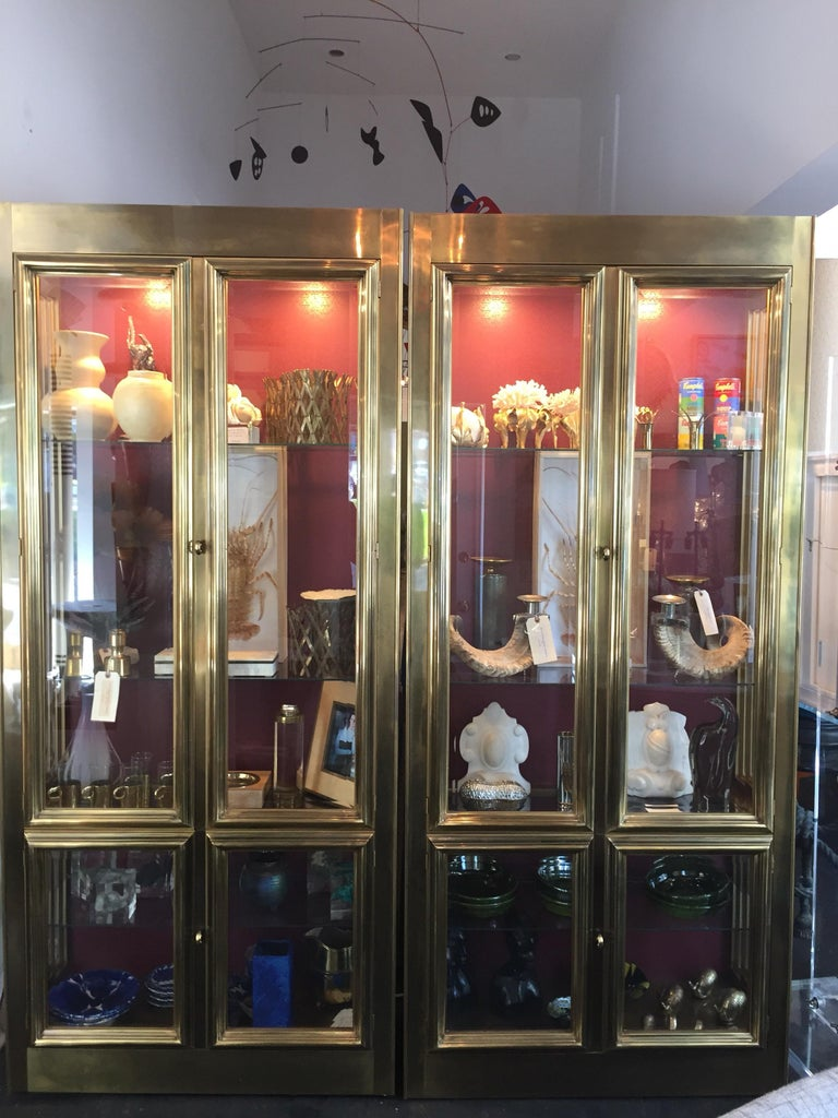 Hollywood Regency Pair of Mastercraft Brass Vitrines Display Cabinets  For Sale