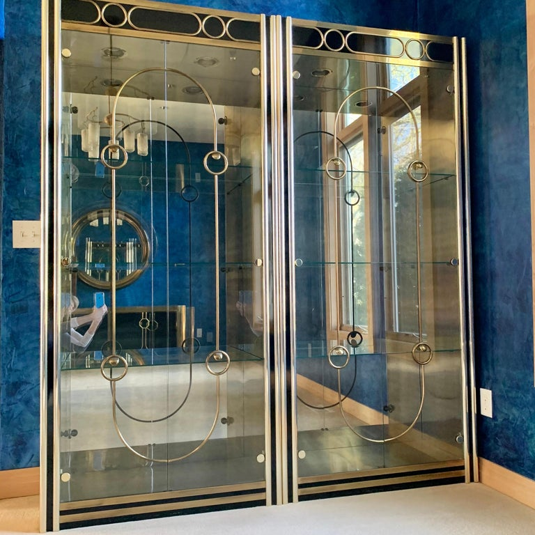 Pair of Mastercraft Brass Vitrines In Good Condition For Sale In Hingham, MA