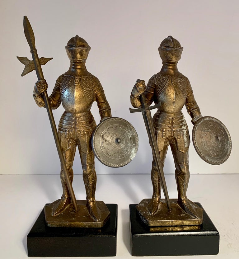 Pair of Medieval Knight Bookends In Good Condition For Sale In Los Angeles, CA