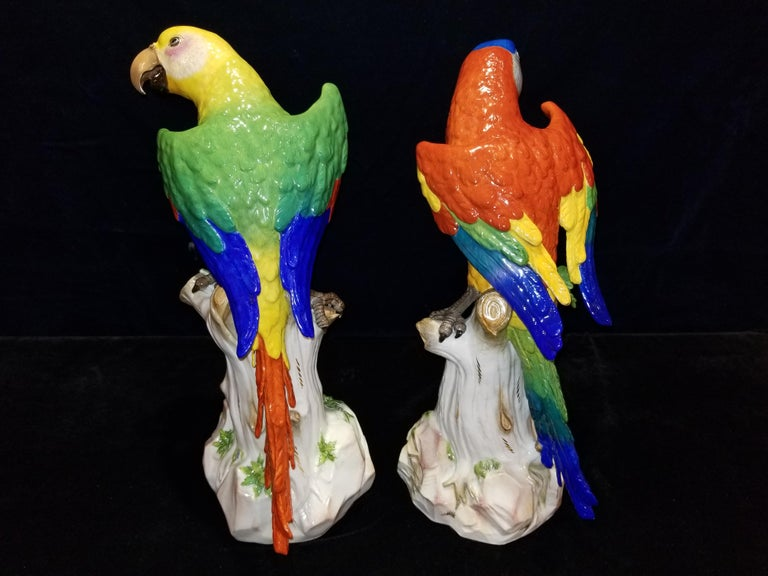 Pair of Meissen Porcelain Figures of Parrots Standing on Branches W/ Cherries In Excellent Condition For Sale In New York, NY