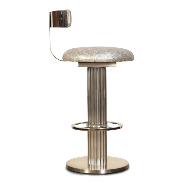 American Pair of Memory Swivel Polished Aluminum Barstools by Designs for Leisure, 1980s For Sale