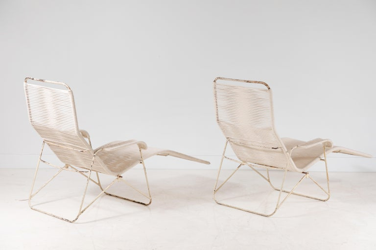 20th Century Pair of Metal and Rope Outdoor Lounge Chairs in the Style of Walter Lamb For Sale
