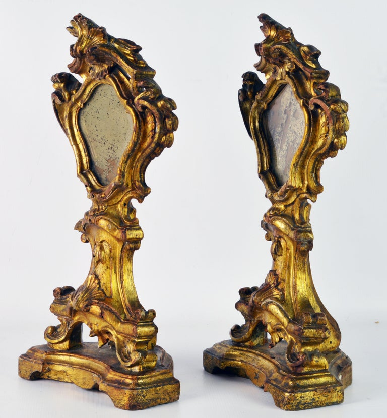 Mirror Pair of Mid-19th Century Italian Baroque Style Carved Giltwood Reliquaries For Sale