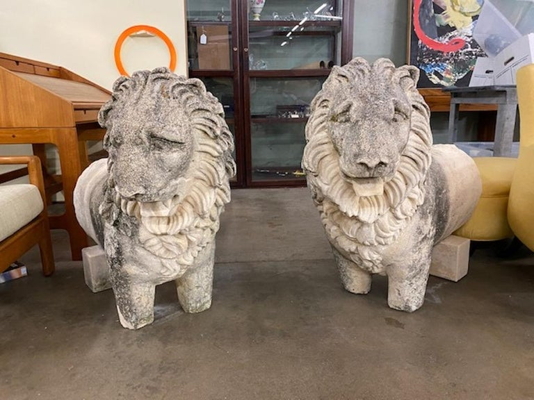 Baroque Pair of 19th Century Sandstone Lions For Sale