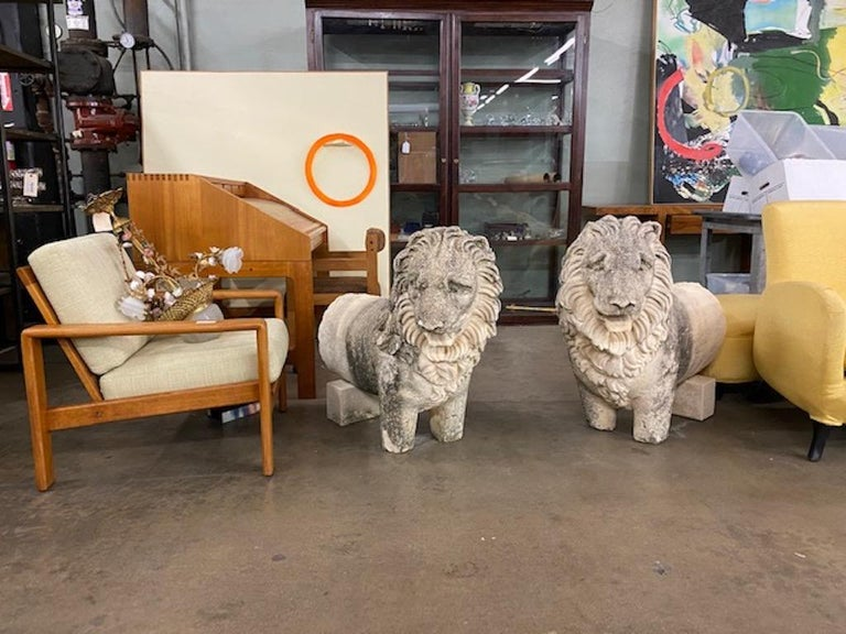French Pair of 19th Century Sandstone Lions For Sale