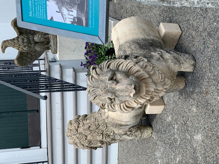 Hand-Carved Pair of 19th Century Sandstone Lions For Sale