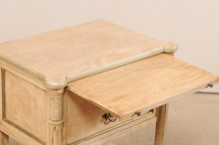 Pair of Mid-20th Century American Carved Wood Nightstands 8