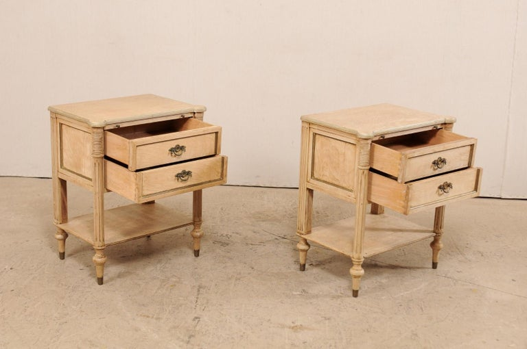 Pair of Mid-20th Century American Carved Wood Nightstands 4