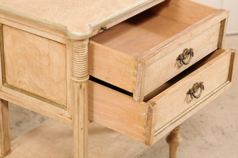 Pair of Mid-20th Century American Carved Wood Nightstands 5