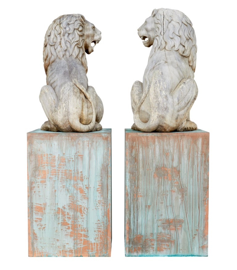 Swedish Pair of Mid-20th Century Carved Solid Wood Lions For Sale