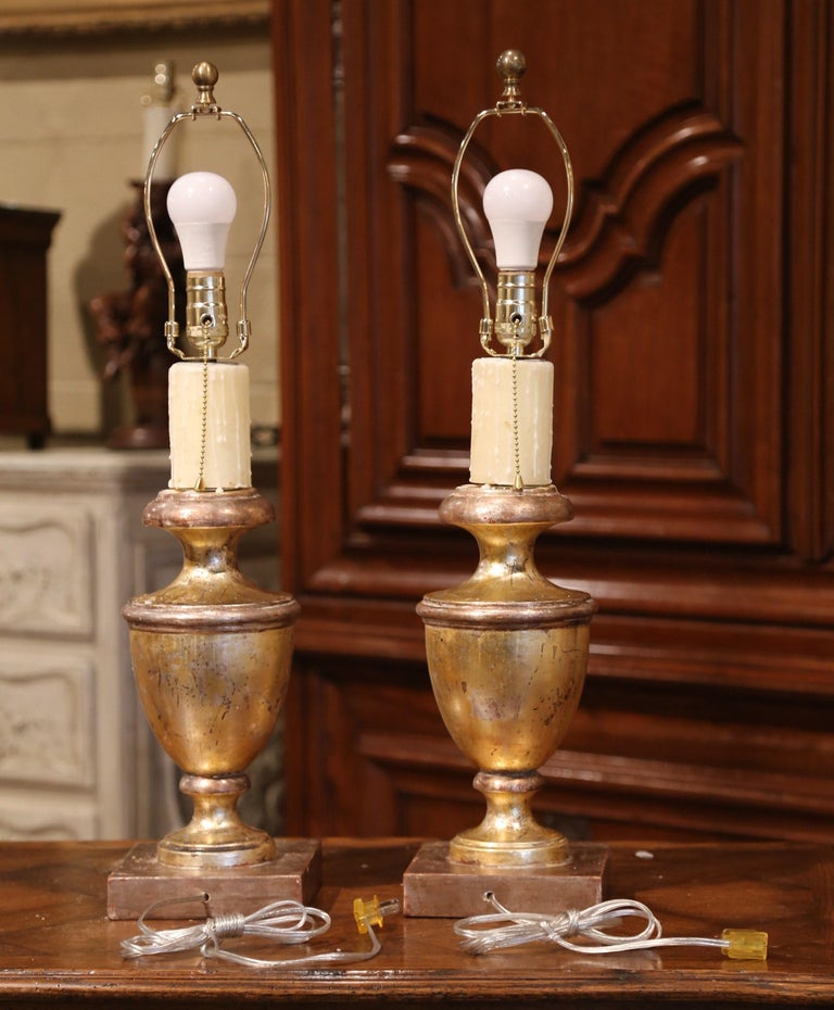 Pair of Mid-20th Century Italian Carved Giltwood Table Lamps For Sale 1