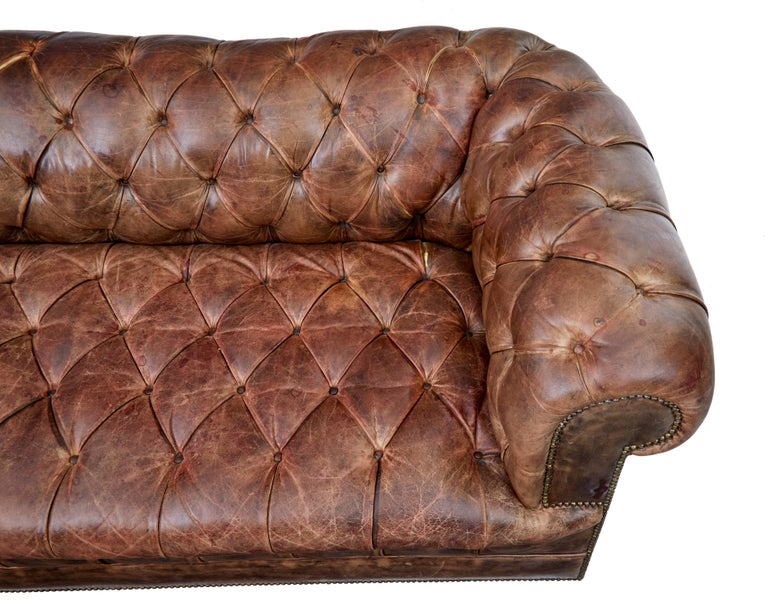 Victorian Pair of Mid-20th Century Leather Chesterfield Sofas For Sale