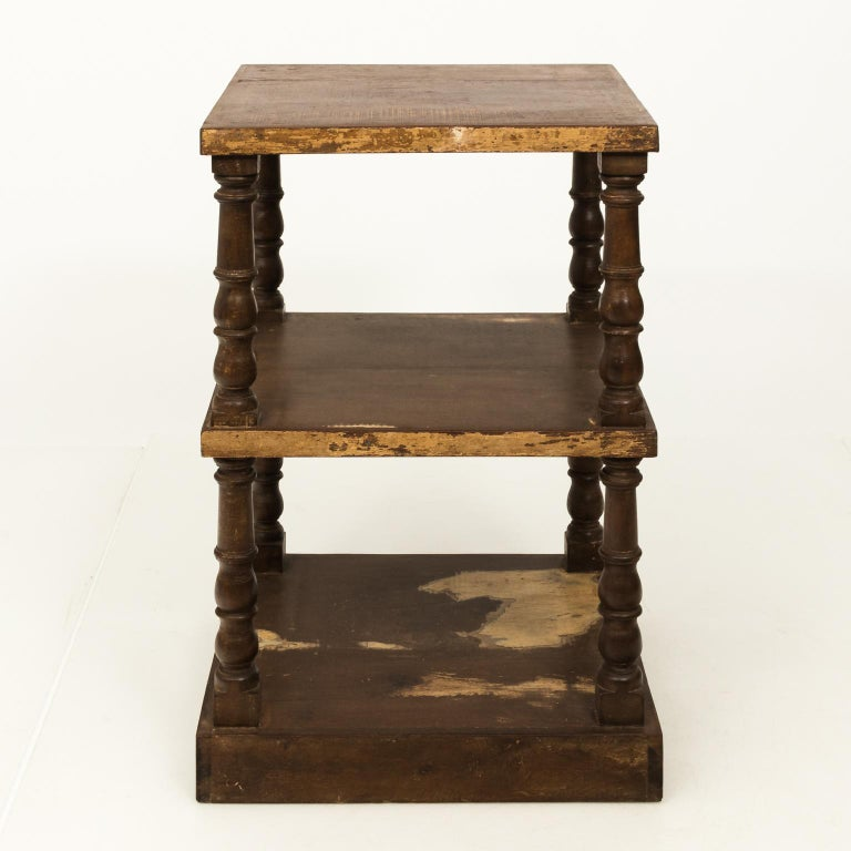 Pair of Mid-20th Century Three-Tier What Not Étagères For Sale 7
