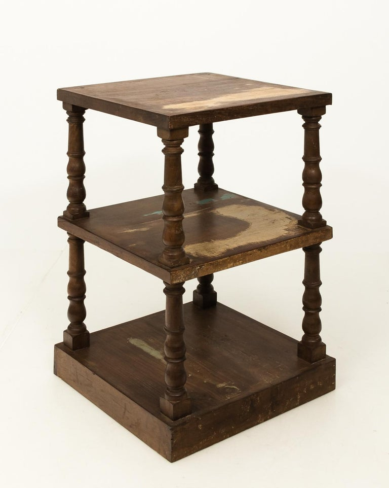 Pair of Mid-20th Century Three-Tier What Not Étagères For Sale 3