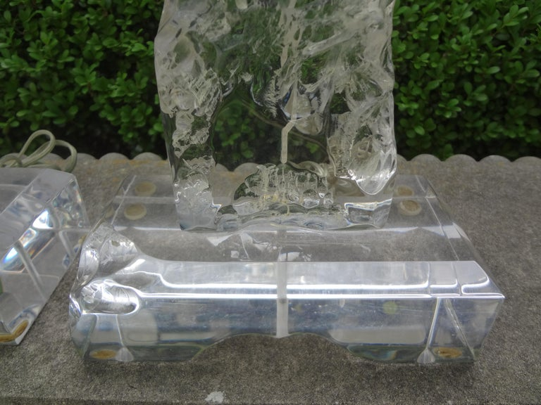 Mid-Century Modern Pair of Midcentury Acrylic Lamps in the Manner of Les Prismatiques For Sale