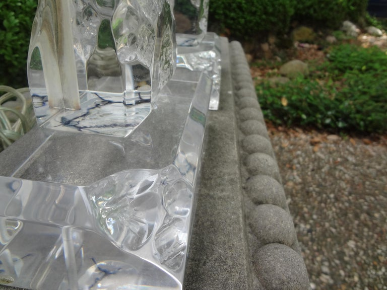 Pair of Midcentury Acrylic Lamps in the Manner of Les Prismatiques For Sale 3