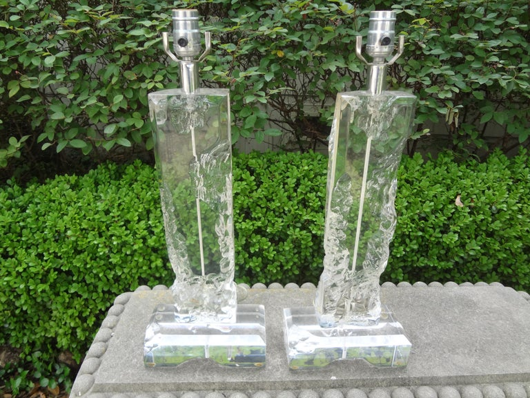 Pair of Midcentury Acrylic Lamps in the Manner of Les Prismatiques For Sale 4