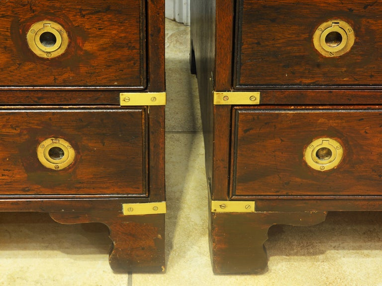Pair of Midcentury Mahogany Campaign Style Three Drawer Chests w. Brass Accents For Sale 2