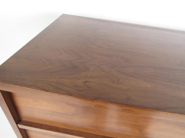 Pair of Midcentury American Walnut Dressers by Dixie Furniture For Sale 8