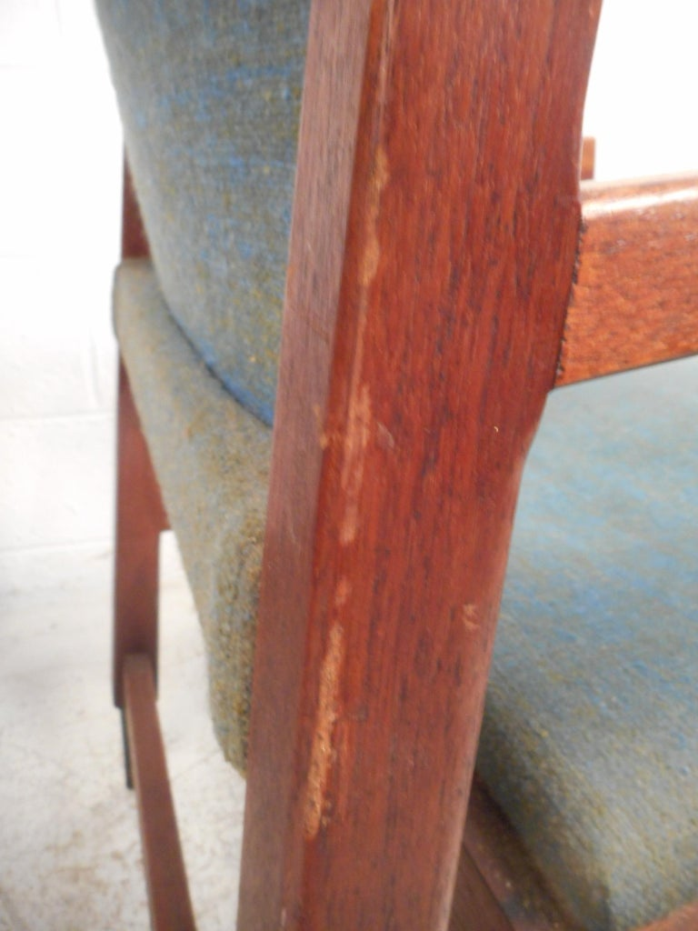 Pair of Midcentury Armchairs For Sale 7