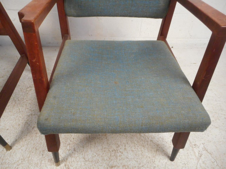Pair of Midcentury Armchairs For Sale 1