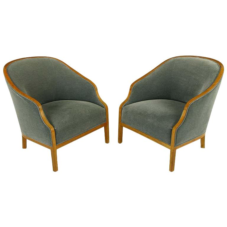 Pair of Midcentury Bankers Lounge Chairs by Ward Bennett For Sale