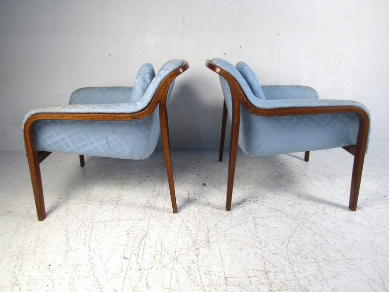 Mid-Century Modern Pair of Midcentury Bentwood Lounge Chairs by Bill Stephens for Knoll For Sale