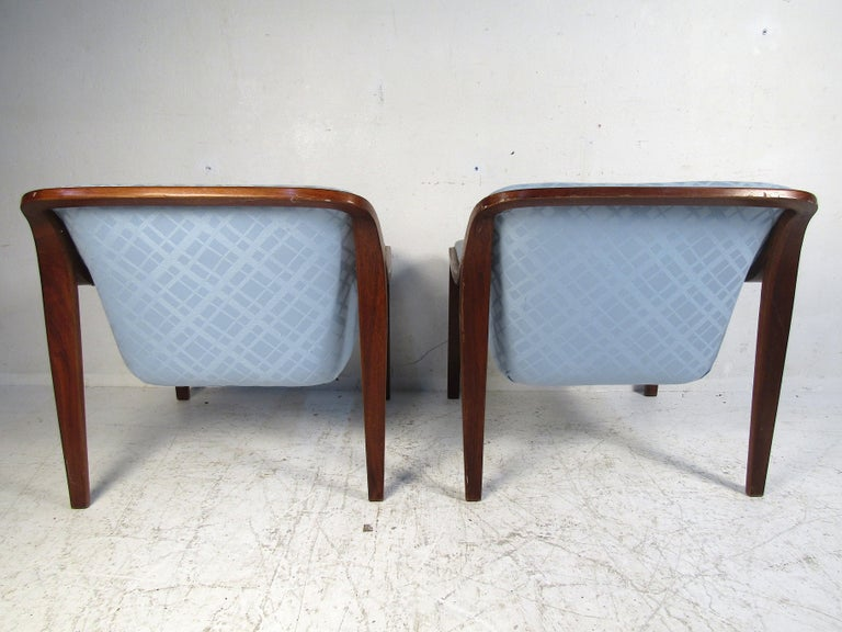 Pair of Midcentury Bentwood Lounge Chairs by Bill Stephens for Knoll In Good Condition For Sale In Brooklyn, NY