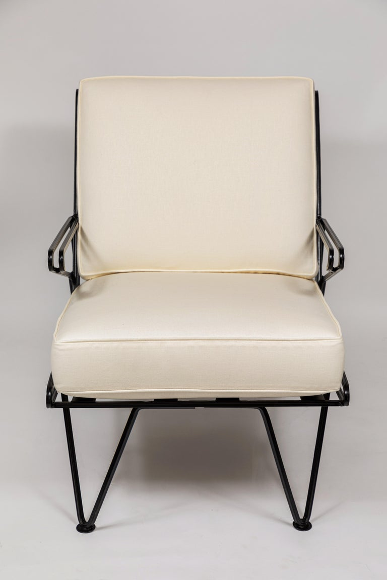 Mid-Century Modern Pair of Midcentury Black Iron Lounge Chairs For Sale