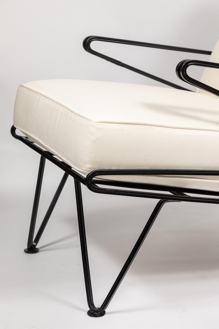Pair of Midcentury Black Iron Lounge Chairs For Sale 2