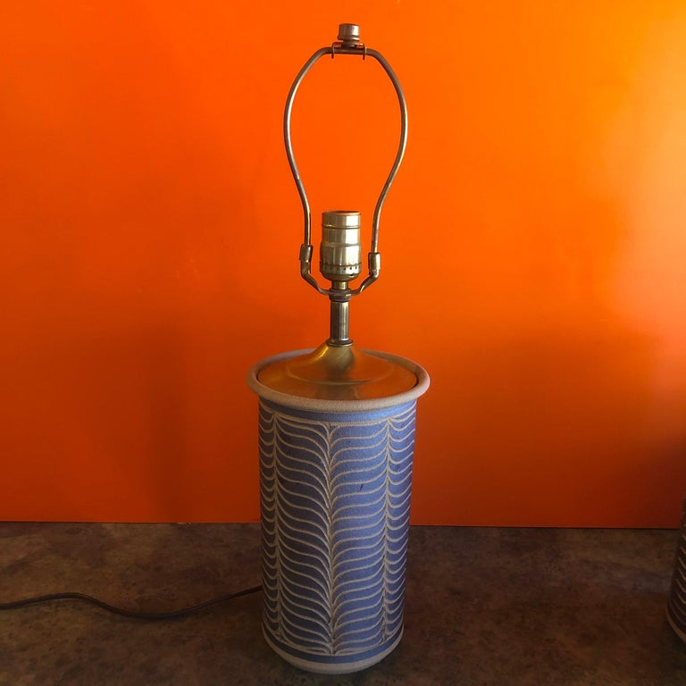 Pair of Midcentury California Studio Pottery Table Lamps In Good Condition For Sale In San Diego, CA