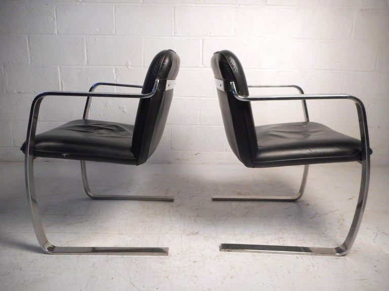 Mid-Century Modern Pair of Midcentury Cantilever Brno Style Chairs by Cumberland Furniture For Sale