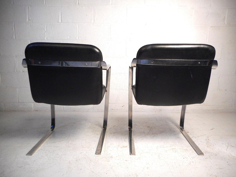 American Pair of Midcentury Cantilever Brno Style Chairs by Cumberland Furniture For Sale