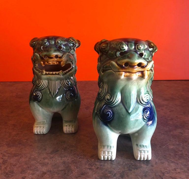Chinese Pair of Midcentury Ceramic Foo Dogs / Bookends