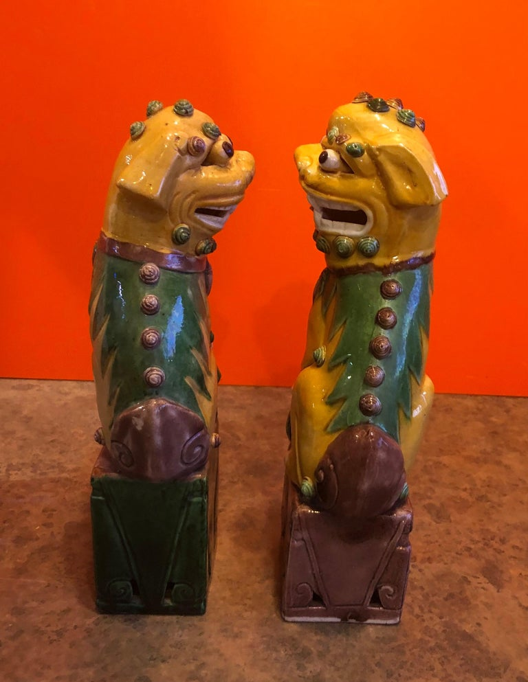 Hand-Crafted Pair of Midcentury Ceramic Foo Dogs or Bookends For Sale