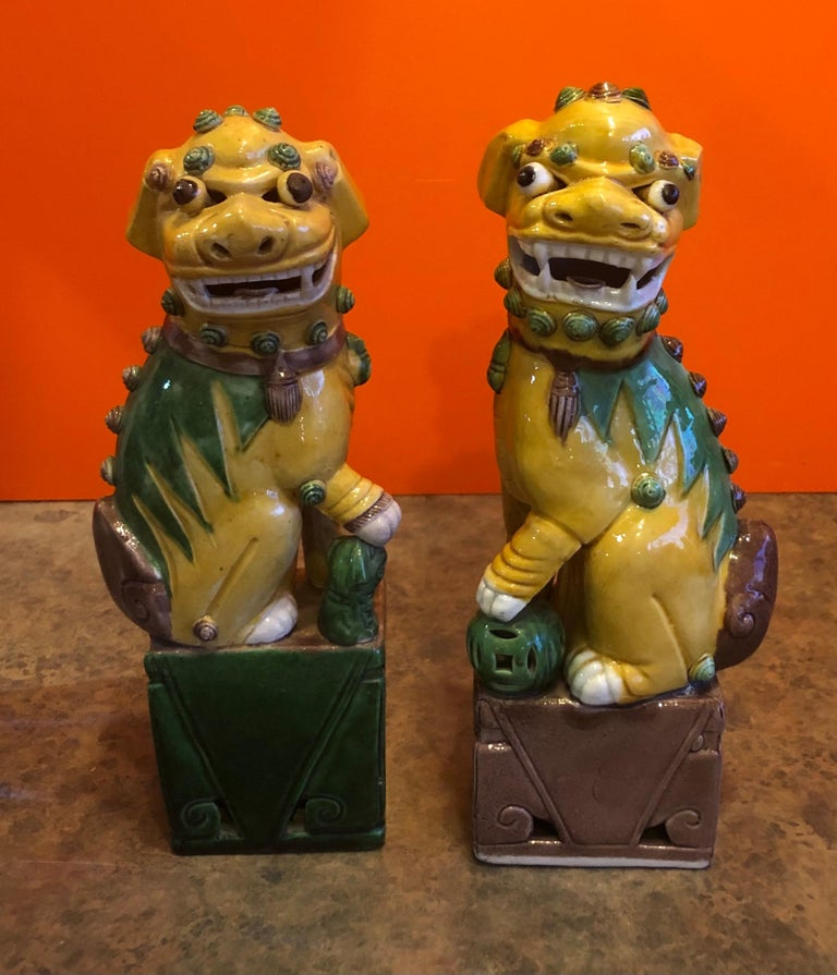 Pair of Midcentury Ceramic Foo Dogs or Bookends For Sale 2
