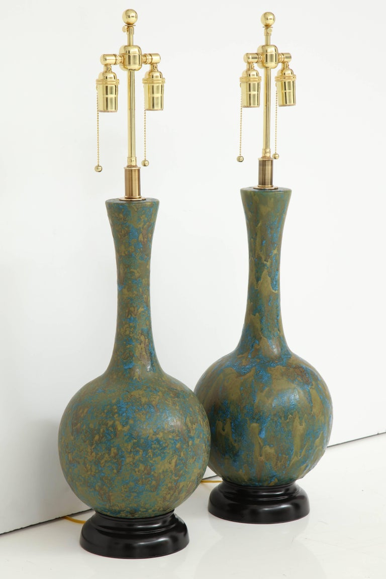 Pair of Italian Ceramic Lamps In Excellent Condition For Sale In New York, NY