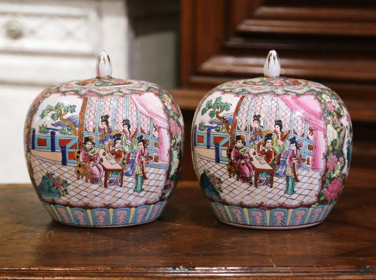 Pair of Mid-Century Chinese Famille Rose Porcelain Melon Jars In Excellent Condition For Sale In Dallas, TX