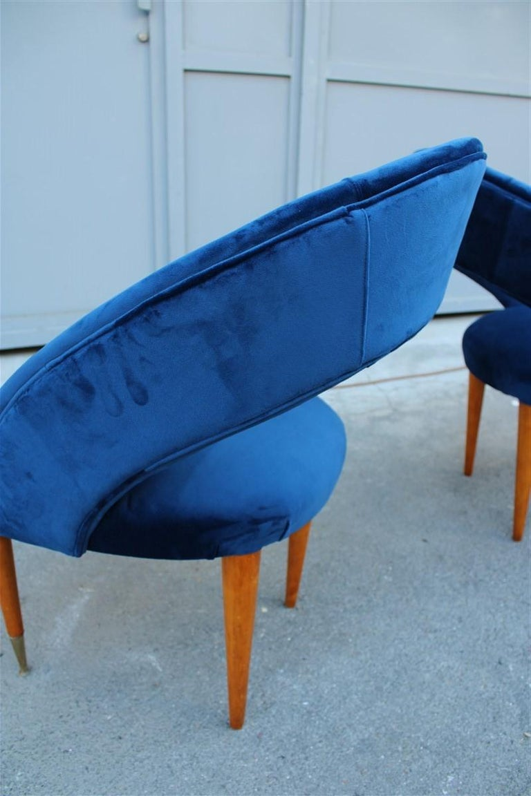 Pair of Midcentury Cobalt Blue Brass Round Bedroom Chairs Maple Wood In Good Condition For Sale In Palermo, Sicily