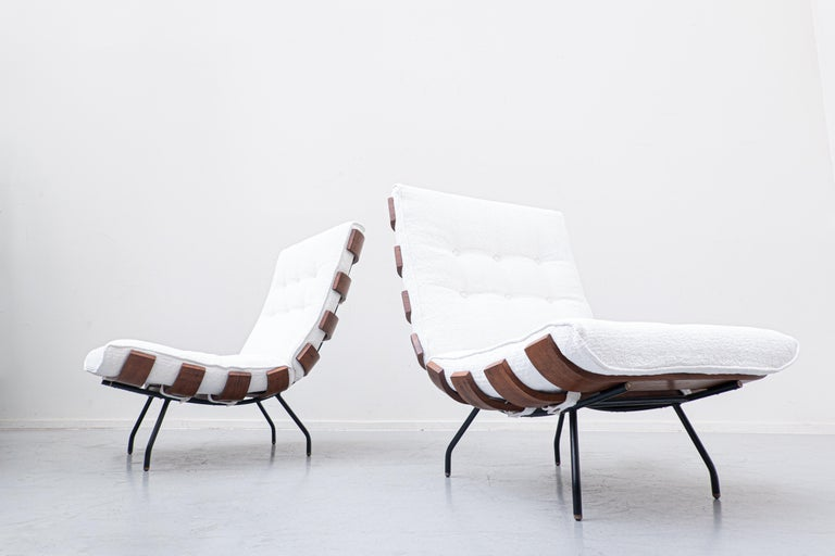 Italian Pair of Mid-Century Costela Lounge Chairs by Carlo Hauner and Martin Eisler For Sale