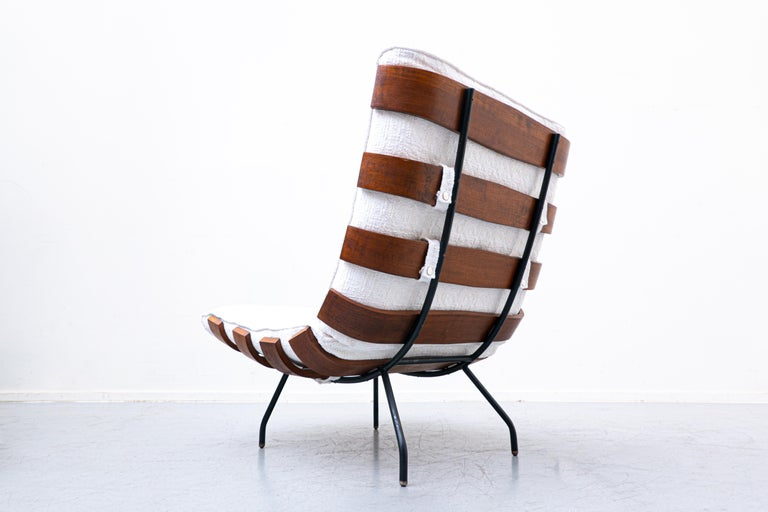 Pair of Mid-Century Costela Lounge Chairs by Carlo Hauner and Martin Eisler For Sale 1