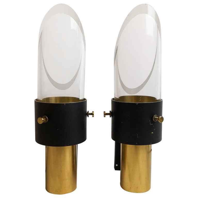 Pair of Midcentury Crystal Glass & Brass Saga Wall Sconces, Lyfa & Orrefors For Sale
