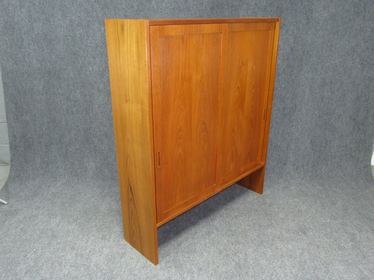 Mid-Century Modern Pair of Midcentury, Danish Modern Teak Cabinets by Poul Hundevad for HU For Sale