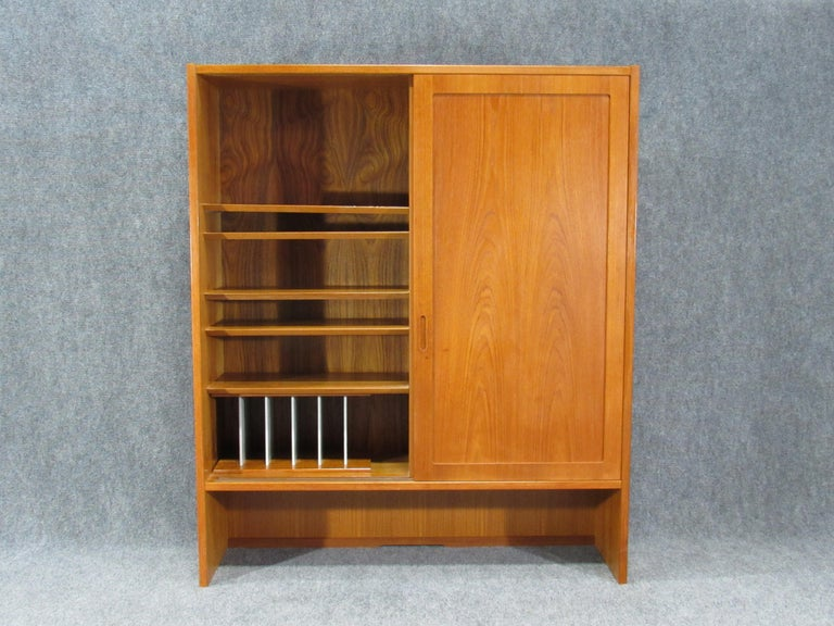 Pair of Midcentury, Danish Modern Teak Cabinets by Poul Hundevad for HU In Good Condition For Sale In Belmont, MA