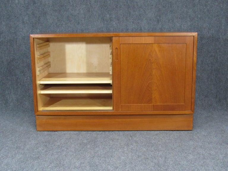 Pair of Midcentury, Danish Modern Teak Credenzas by Poul Hundevad for HU For Sale 3