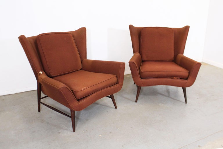 Mid-Century Modern Pair of Mid Century Danish Modern Wingback Lounge Chairs For Sale