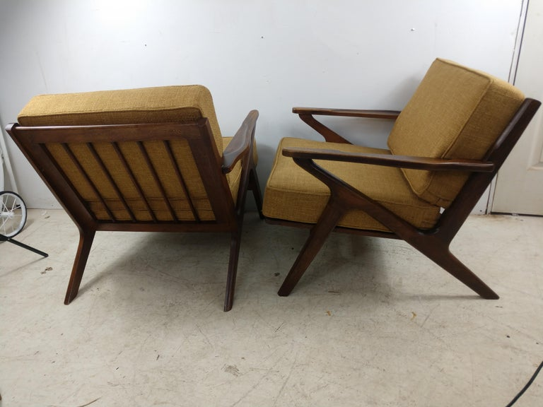 Hand-Crafted Pair of Mid Century Danish Modern Z Lounge Chairs, c 1960+ For Sale