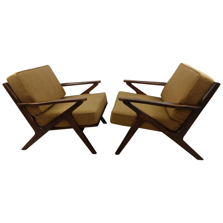 Pair of Mid Century Danish Modern Z Lounge Chairs, c 1960+ For Sale