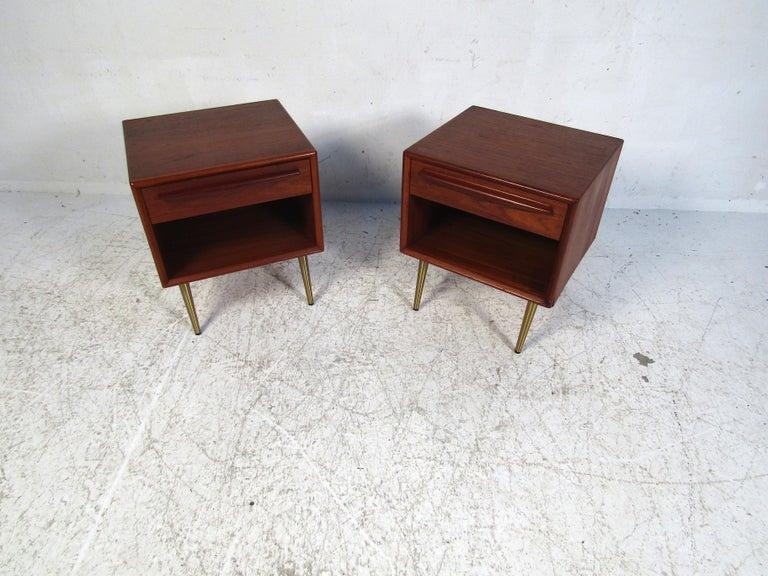Pair of Midcentury Danish Teak Nightstands For Sale 4