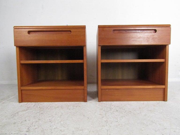 Mid-Century Modern Pair of Midcentury Danish Teak Nightstands by Jesper For Sale